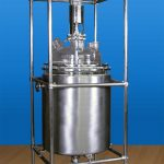 GLASS REACTOR WITH S.S. JACKET
